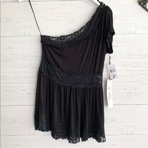 Paper Tee One Shoulder Lace top
